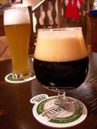 Birra: se il bicchiere è curvo, si beve più in fretta