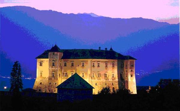 Trentino Alto Adige: Pranzo a buffet nei giardini e loggiati di Castel Thun
