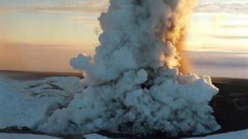Eruzione in Islanda: Rischio di danni all'export fino a 12 milioni di euro