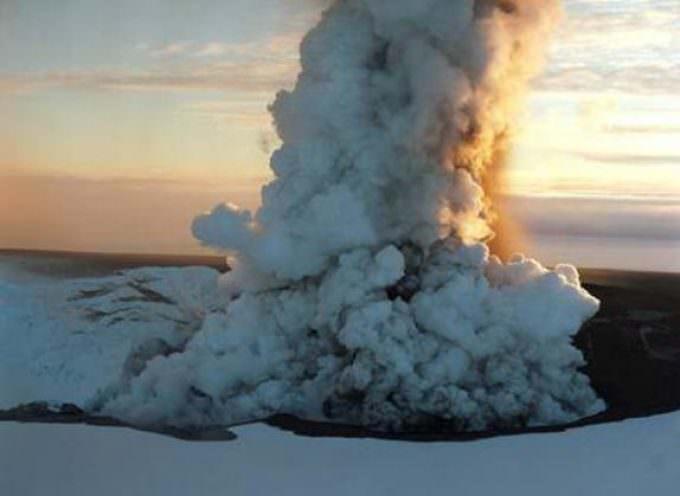 Vulcano Islanda: Coldiretti, blocco ha coinvolto merci per 10 mila ton.
