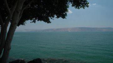 Israele vieta la pesca nel lago di Tiberiade