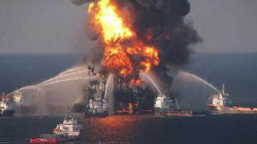 Usa: Piattaforma petrolifera affondata, a rischio la biodiversità
