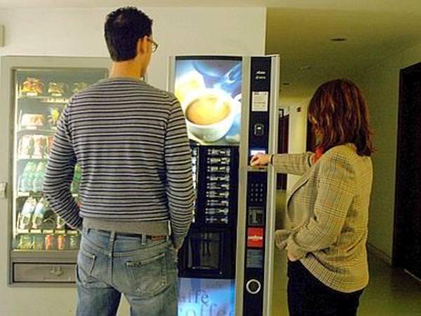 Distributori automatici, un pericolo per bambini e ragazzi
