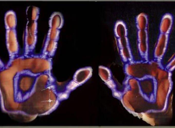 L'Elettrografia Kirlian: Fotografare la bioenergia