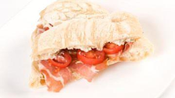 """La celebre panineria 'Ino presenta i panini d'autore """"Cremon'Ino"""" e """"San Cargiuga"""""""