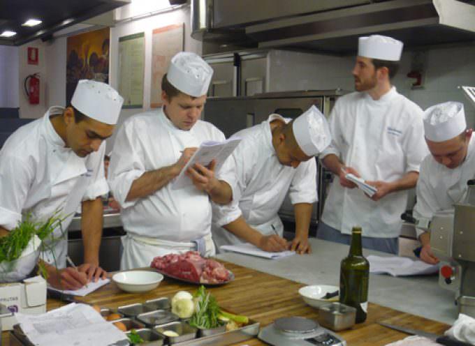 """Gli Chefs inglesi dei """"Carluccio's Restaurants"""" presso l'ICIF di Costigliole d'Asti"""