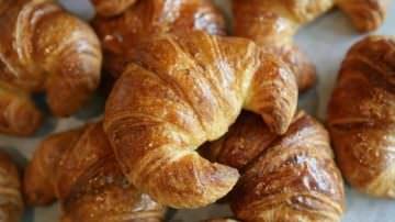 Parigi. Caccia aperta al ladro di croissant