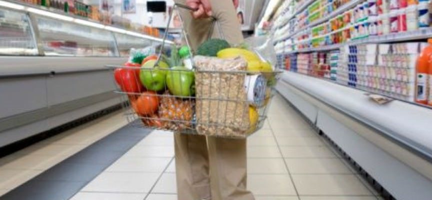 Alimentari: Pochi gli italiani attenti alla data di scadenza
