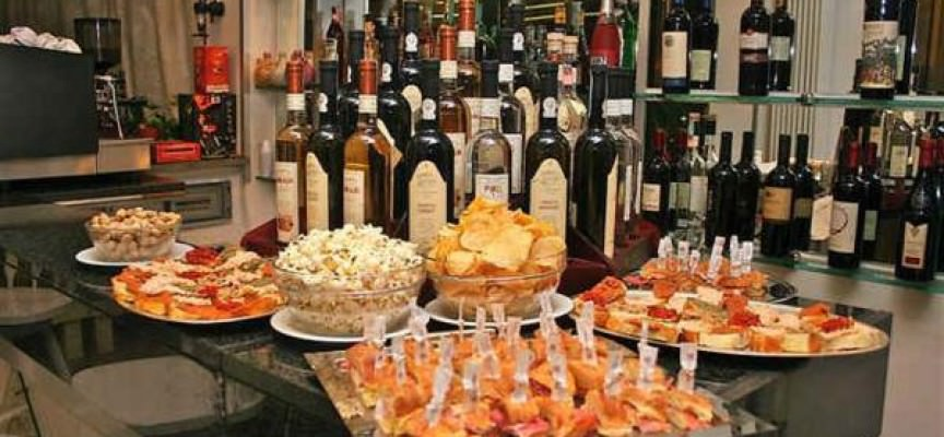 Francia: Aperitivo a vino e salsiccia organizzato via Facebook