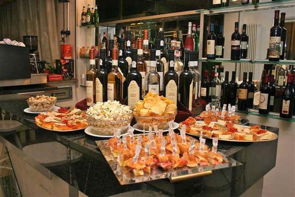 Al Caffè Commercio di Rimini il premio Aperitivo dell'anno