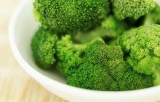 Salse o condimenti: così si danno broccoli ai bambini