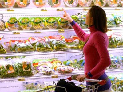 Consumi: Coldiretti, 9 italiani su 10 non rinunciano alla qualità della spesa
