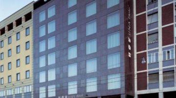 UNA Hotel Bologna, un 4 stelle davanti alla stazione centrale FS, a due passi dal centro storico