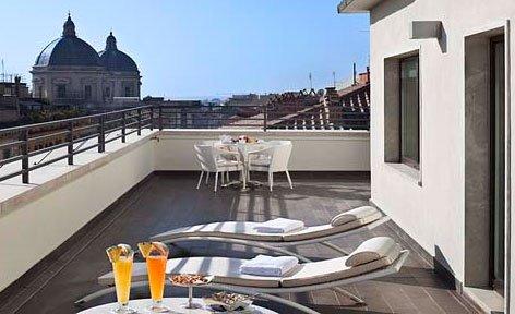 UNA Hotels & Resorts è la catena alberghiera che da dieci anni rappresenta i valori della migliore tradizione dell'ospitalità italiana