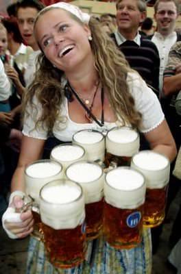 Si alla birra, no al fumo: l'Oktoberfest diventa salutista