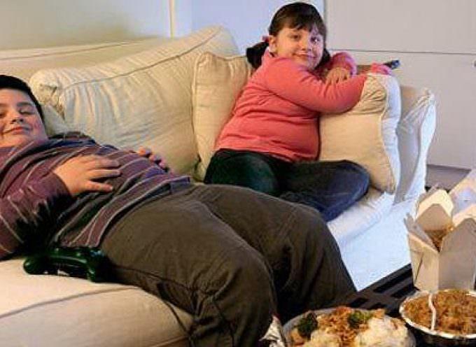 Tassa o epidemia: l'allarme degli esperti contro l'obesità