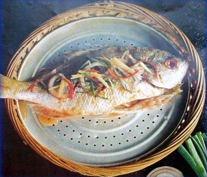 Pesce tre volte a settimana per ridurre il rischio ictus