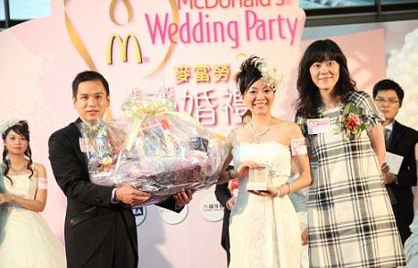 Il matrimonio? Ad Hong Kong si festeggia da McDonald's