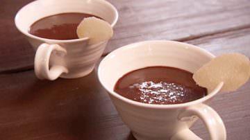 Cioccolata, due tazze al giorno stimolano il cervello