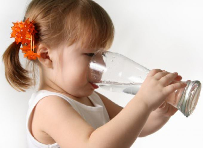 Alimentazione e idratazione dei bambini: Il ruolo dei genitori è determinante