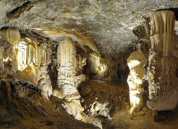 Nelle Grotte di Postumia il Presepe vivente più spettacolare del mondo