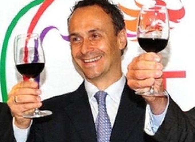 Galeotta fu la bottiglia: il console francese richiamato da Hong Kong