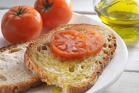 Dieta mediterranea, stimolo e scudo per il cervello