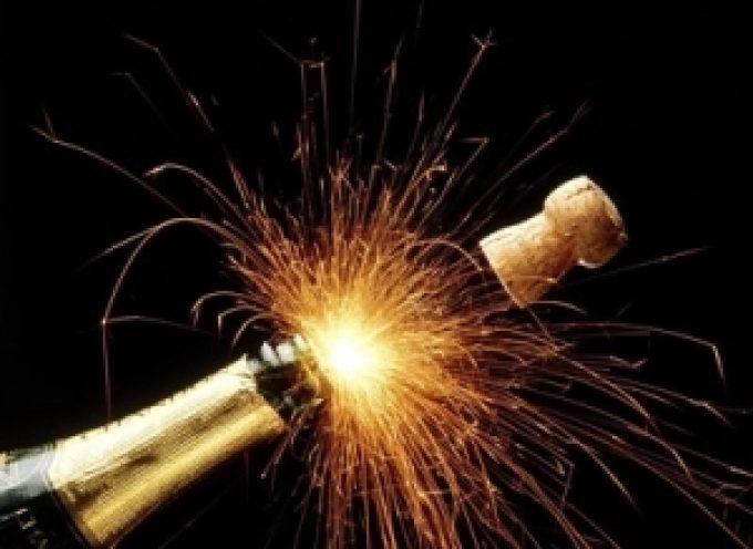 Capodanno: Lo spumante italiano è il re del brindisi di mezzanotte
