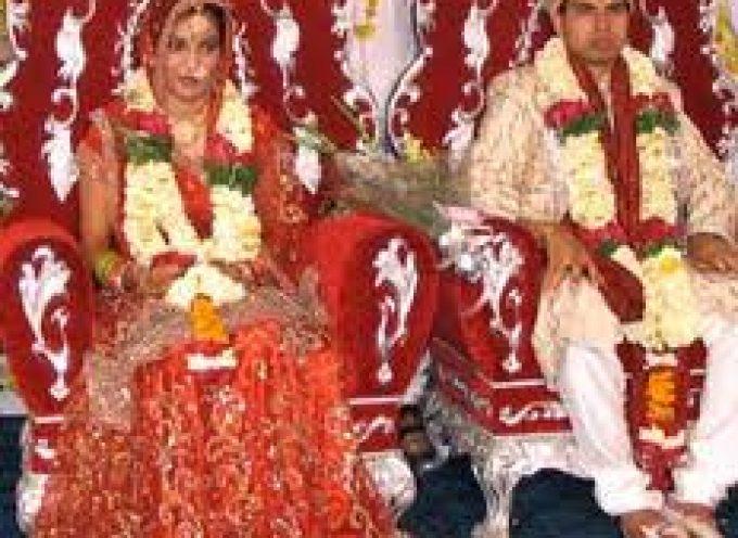 """India. Matrimoni """"light"""" contro lo spreco di cibo"""