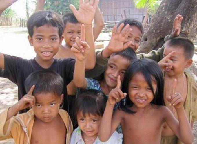Festa del Papà: Aiuta i bambini della Cambogia! Donagli un sorriso e un gioco