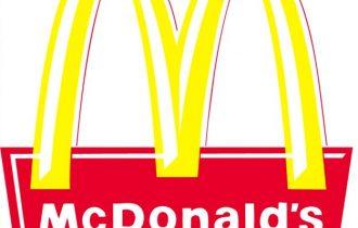 Mc Donald's, svolta salutista: no patatine fritte si insalate, frutta e verdura
