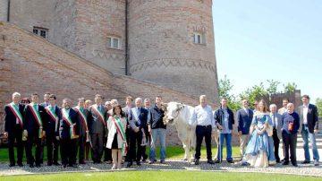 """Castello di Carrù (CN), Conferenza: """"Salute e piacere: la Piemontese in tavola"""""""