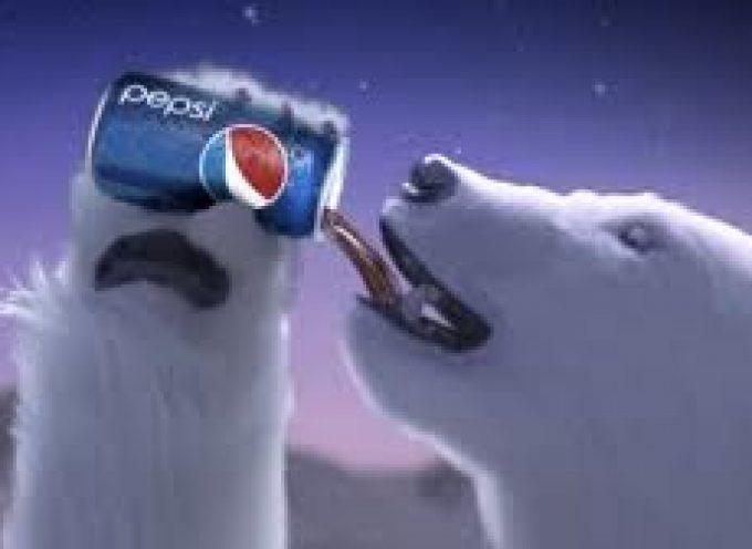 Babbo Natale ed orsi bianchi: Pepsi sfida Coca Cola con le sue stesse armi