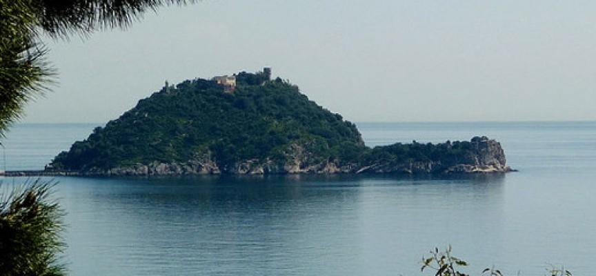 perch si chiama isola gallinara se sembra una tartaruga o