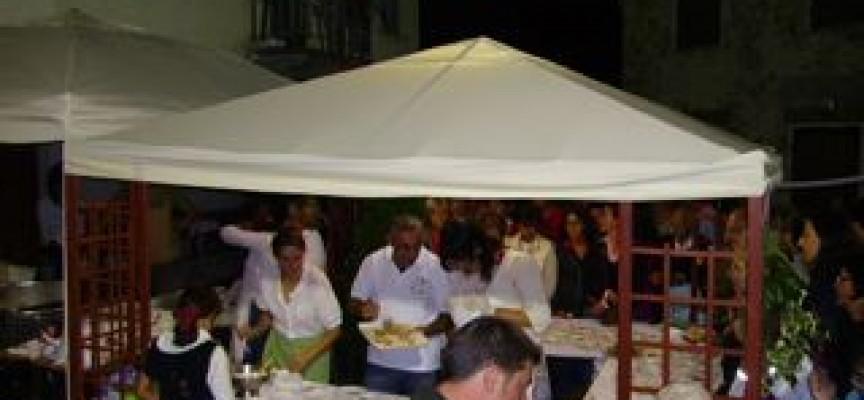 Mendatica, grande successo della Festa della Cucina Bianca 2011 ma attenti perchè spariscono le Canon