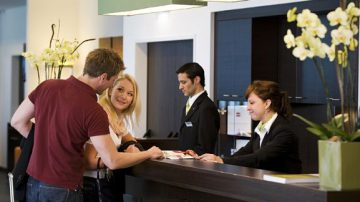 """""""Accogliendo con ospitalità"""" il Sig. Cliente"""