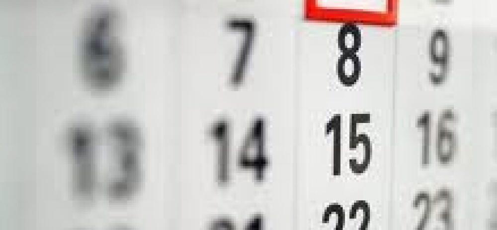 """23 мая, 16:58.  Создан проект постановления правительства России  """"О переносе выходных дней в 2015 году """"..."""