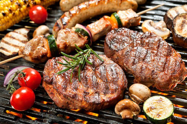 Umberto Veronesi: la carne fa male. – Giuseppe Pulina: non è vero!