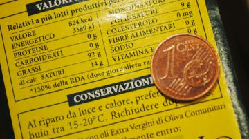 La maggioranza delle bottiglie di olio proviene da olive straniere