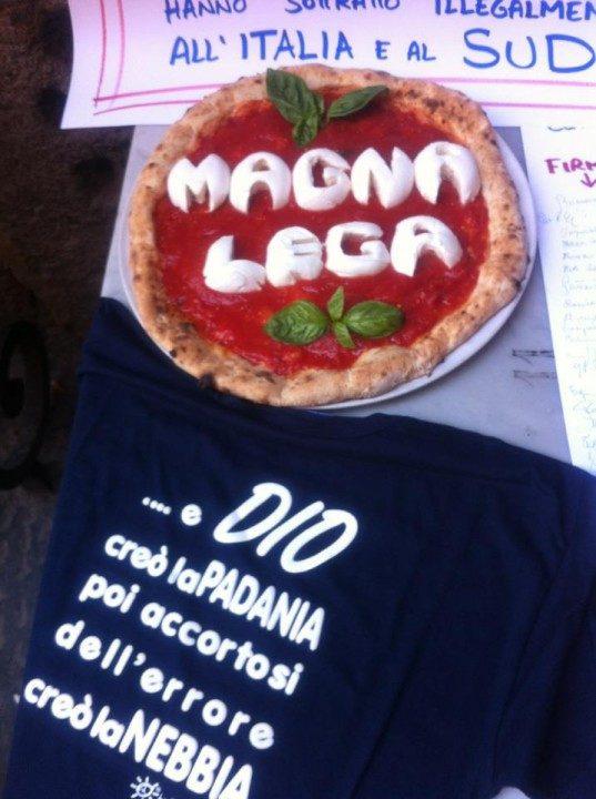 """""""Magna Lega"""". Da Napoli, la pizza contro le ruberie della Lega Nord"""