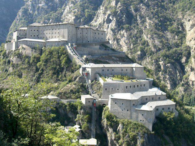 Dalla Valle d'Aosta l'invito per una dolce vacanza