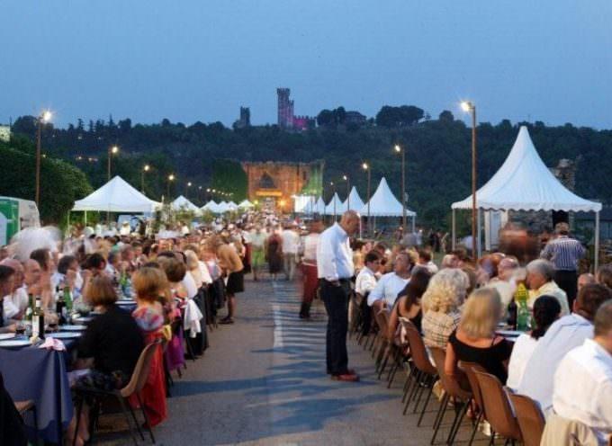 Valeggio sul Mincio (VR): Sullo storico Ponte Visconteo torna la Festa del Nodo d'Amore