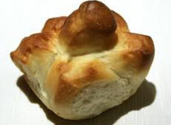 Milano. Un cesto di rose di pane per Papa Benedetto XVI