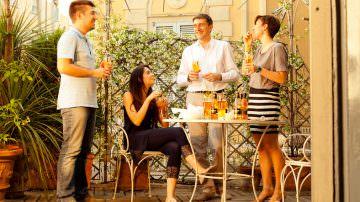Amici, amore, famiglia e relax: La Golden Hour degli italiani al tempo della crisi