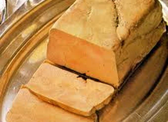 Francia. Francois Hollande difende il foie gras