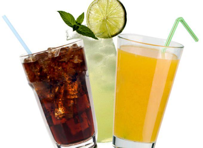 Tassa sulle bevande gassate: Tutelare la salute o raccattare qualche soldo?