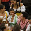 Oktoberfest 2012: birra a fiumi ma anche l'occasione di incontrare una bionda walchiria