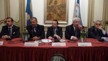 Adriano Podestà, PDA: Primarie PD, sono una bufala, se Renzi vince, è perché ha preso i voti, o no?