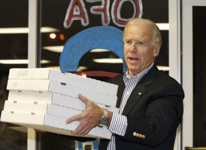 USA, una pizza per Joe Biden