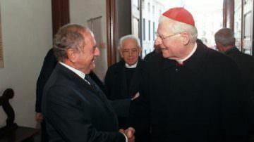 Il Cardinale Angelo  Scola incontra i giornalisti